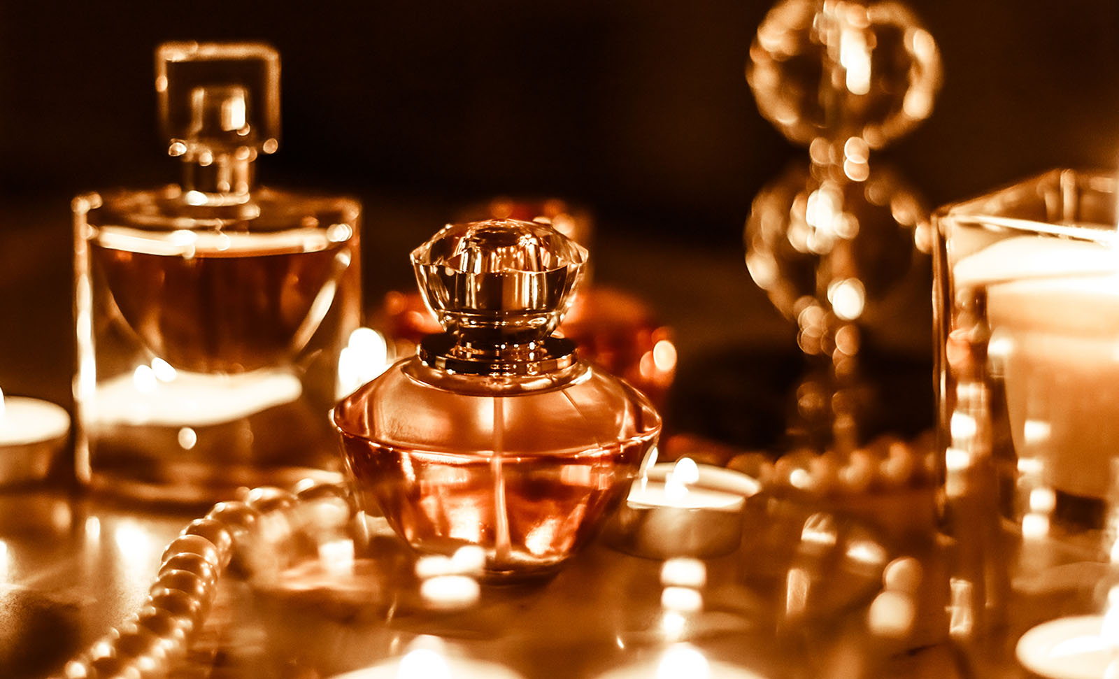 perfect perfume present - a guide to giving perfume at Christmas
